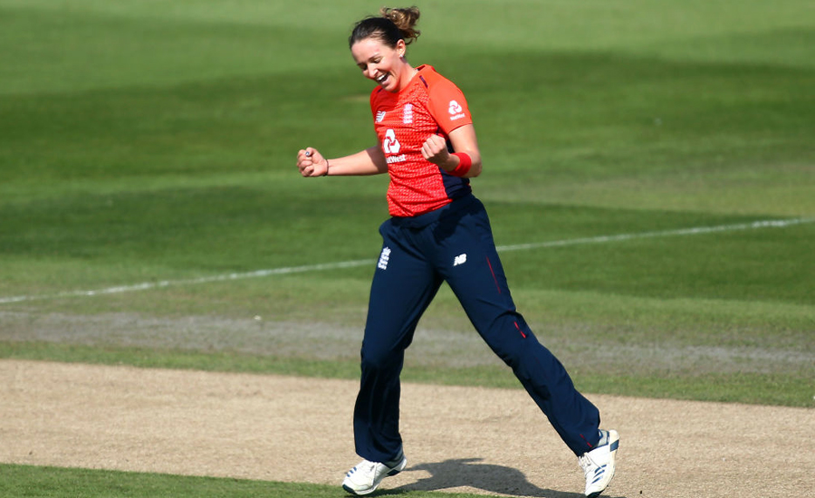 England women score comfortable win over Pakistan in first ODI