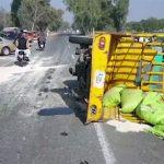 Four die, bus, hits, rickshaw, Muzaffargarh