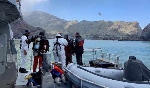 New Zealand, divers, search, contaminated, waters, volcano victims