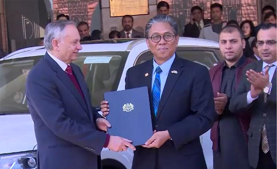 Malaysian HC hands over Proton X70 SUV to Abdul Razzak Dawood