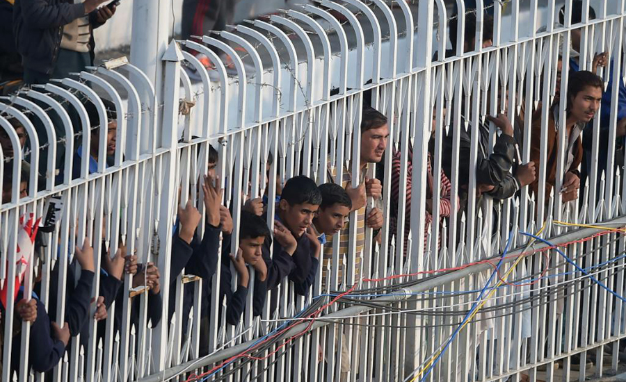 Rain, halts, play, 1st Test, Sri Lanka, 222-5