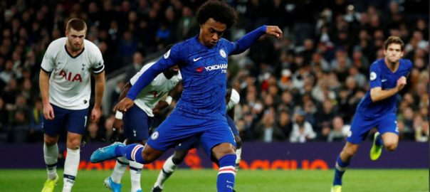 Chelsea Tottenham Willian double LONDON Reuters