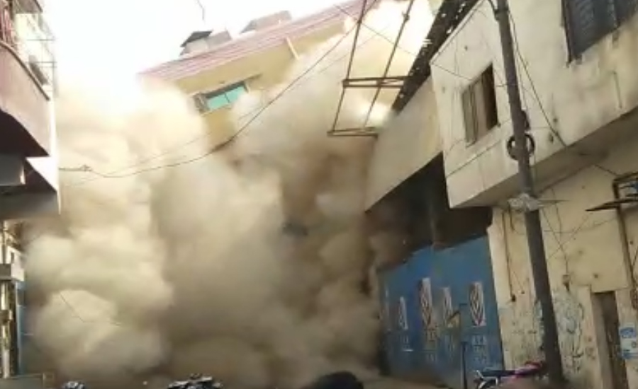 Six-storey building collapses in Karachi's Timber Market