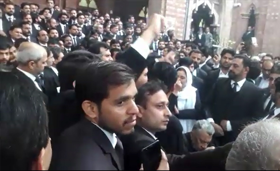Row with doctors: Lawyers give ultimatum till Tuesday for accused's arrest