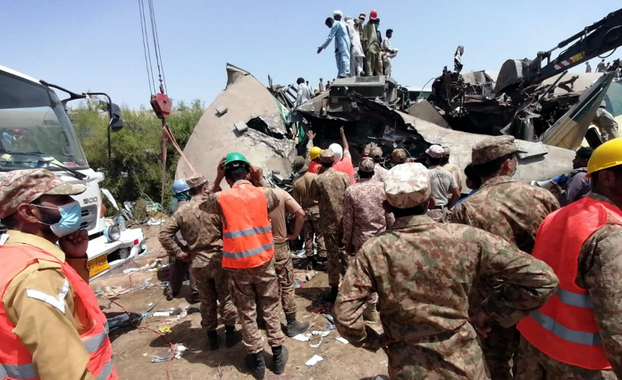 Pak Army, Rangers troops carrying out rescue & relief operation at train accident site: ISPR