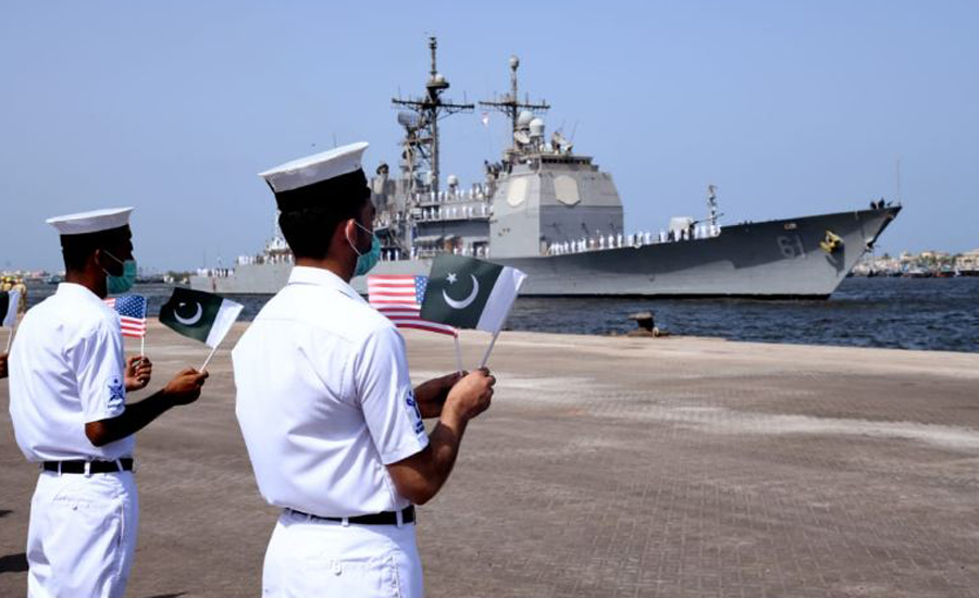 US Navy Ship visits Pakistan & conducts drills with Pakistan Navy