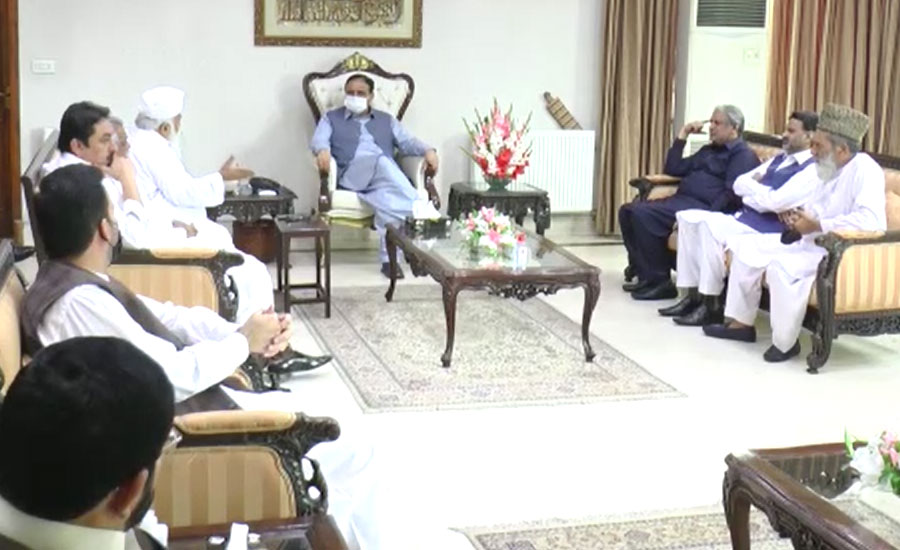 Enraged PML-N, PPP MPAs call on CM, express confidence in his leadership