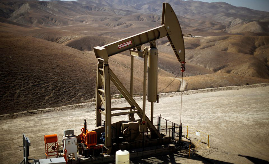 Oil resumes climb on large US oil stocks drawdown