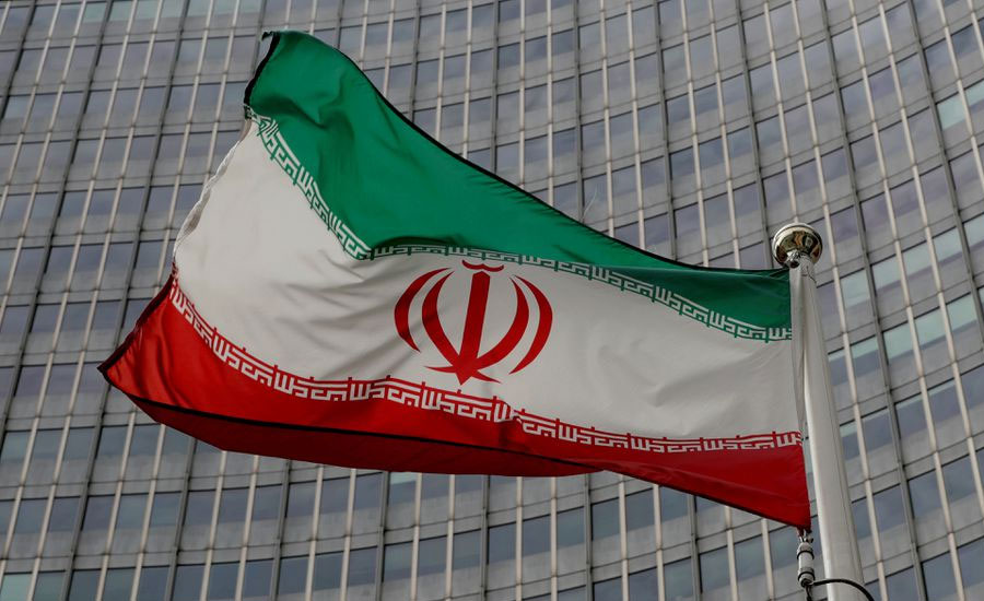 Iran says US to lift oil sanctions, Germany cautious on matter
